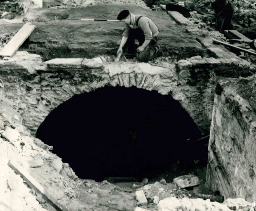 Remember When 12th century Oxford vault uncovered 1955
