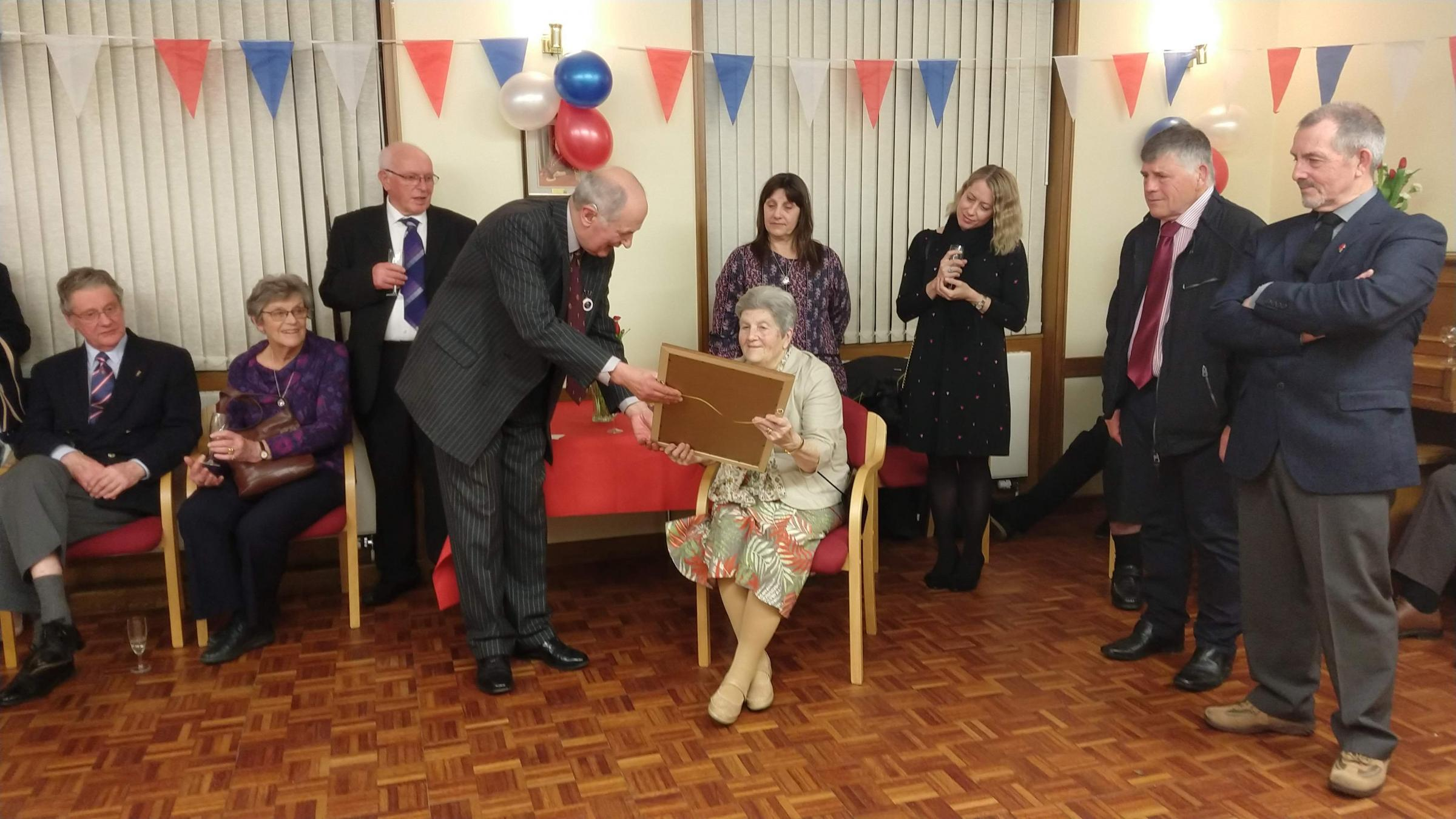 Dee Bulley awarded freedom of Carterton at town hall