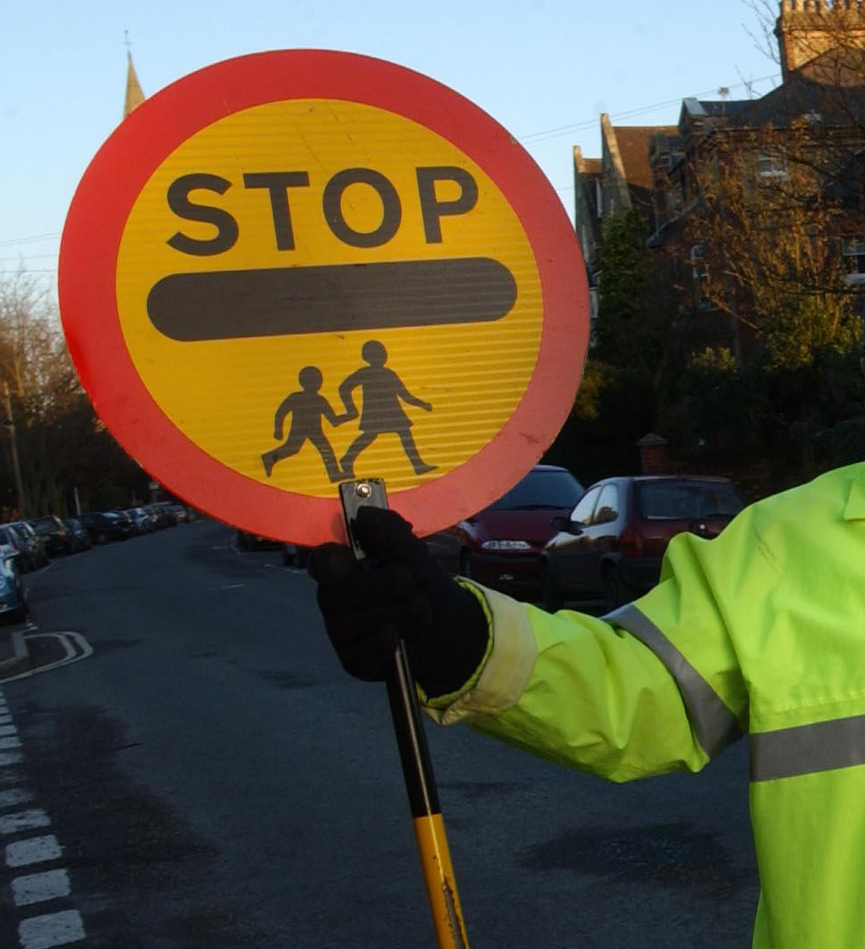 Which Oxfordshire schools have a lollipop lady or man?