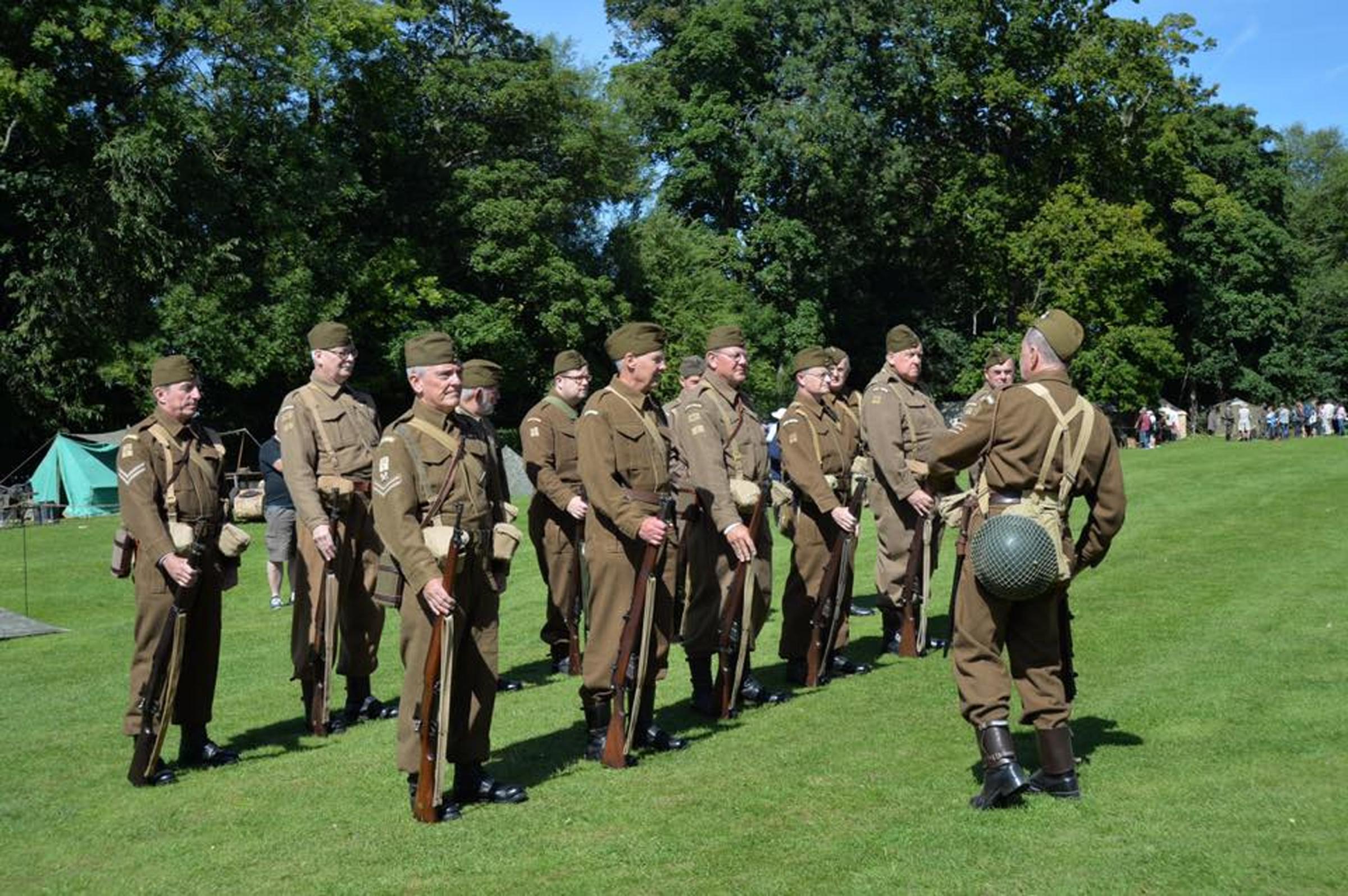 Re-enactors will patrol Abingdon Lock for Thames at War event