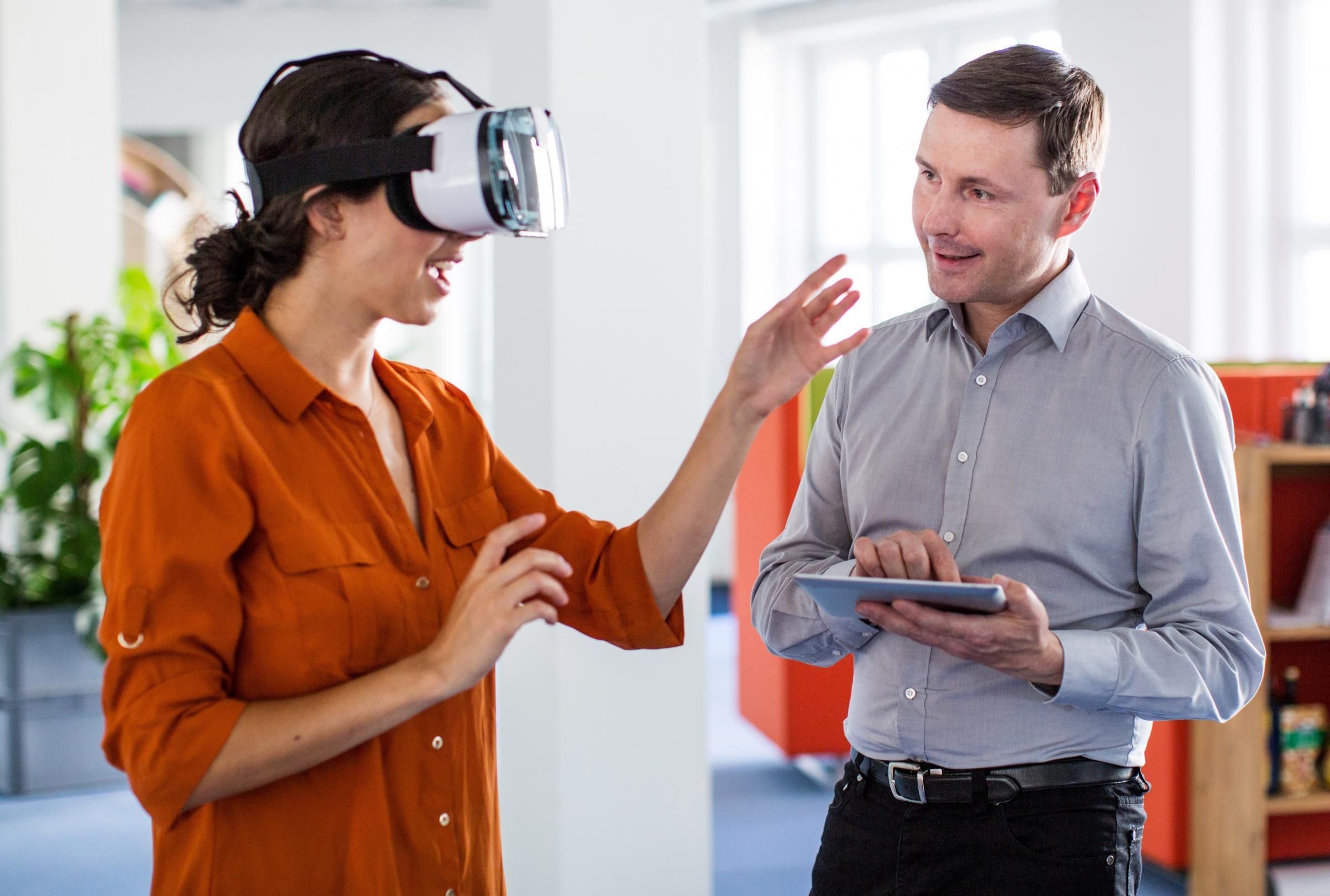 Virtual reality to help cure fear of heights in NHS Oxfordshire pilot