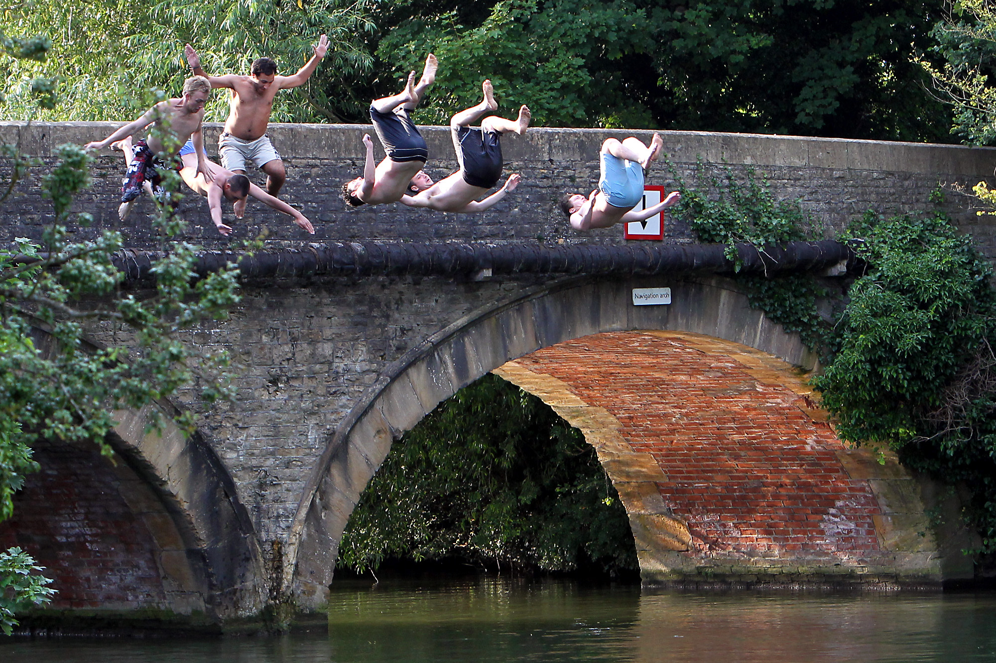 EA warn young people of 'hidden dangers' in River Thames