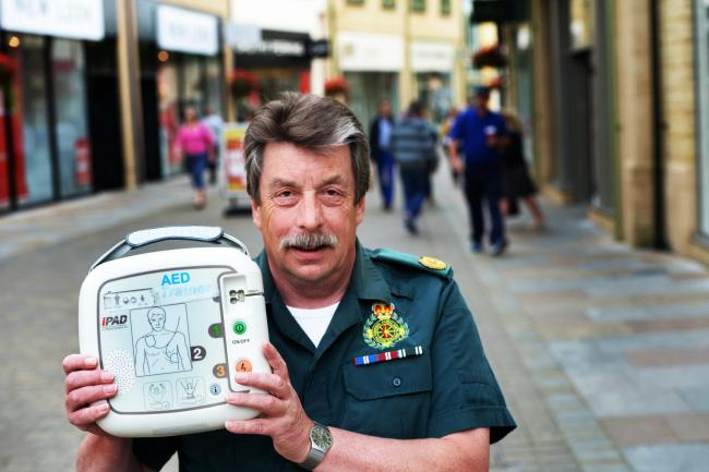 'Lives in danger' over lack of defibs in city centre