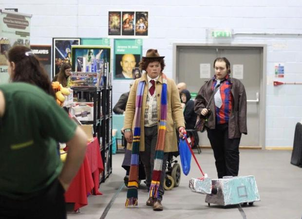 Oxford Mail: The Doctor and K-9 at Thames Con. Picture Abbie Clifton