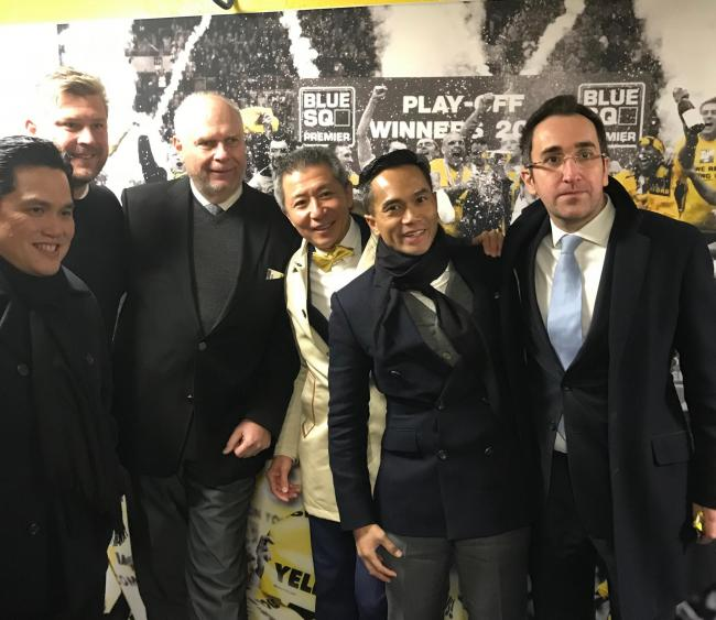 Karl Robinson (second left) with Oxford United's board last week     Picture: Mark Edwards