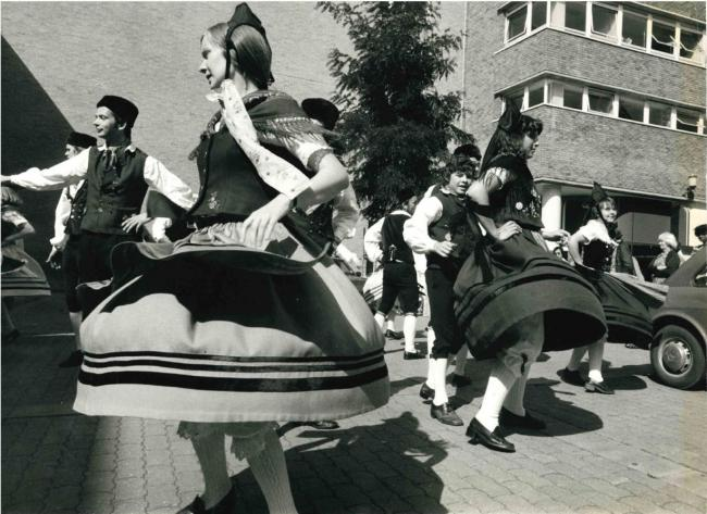 Remember when: unexpected dancers at Pennyfarthing Square in September 1978