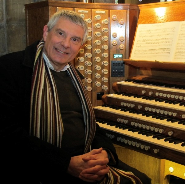 The Organist Entertains: Michael Overbury
