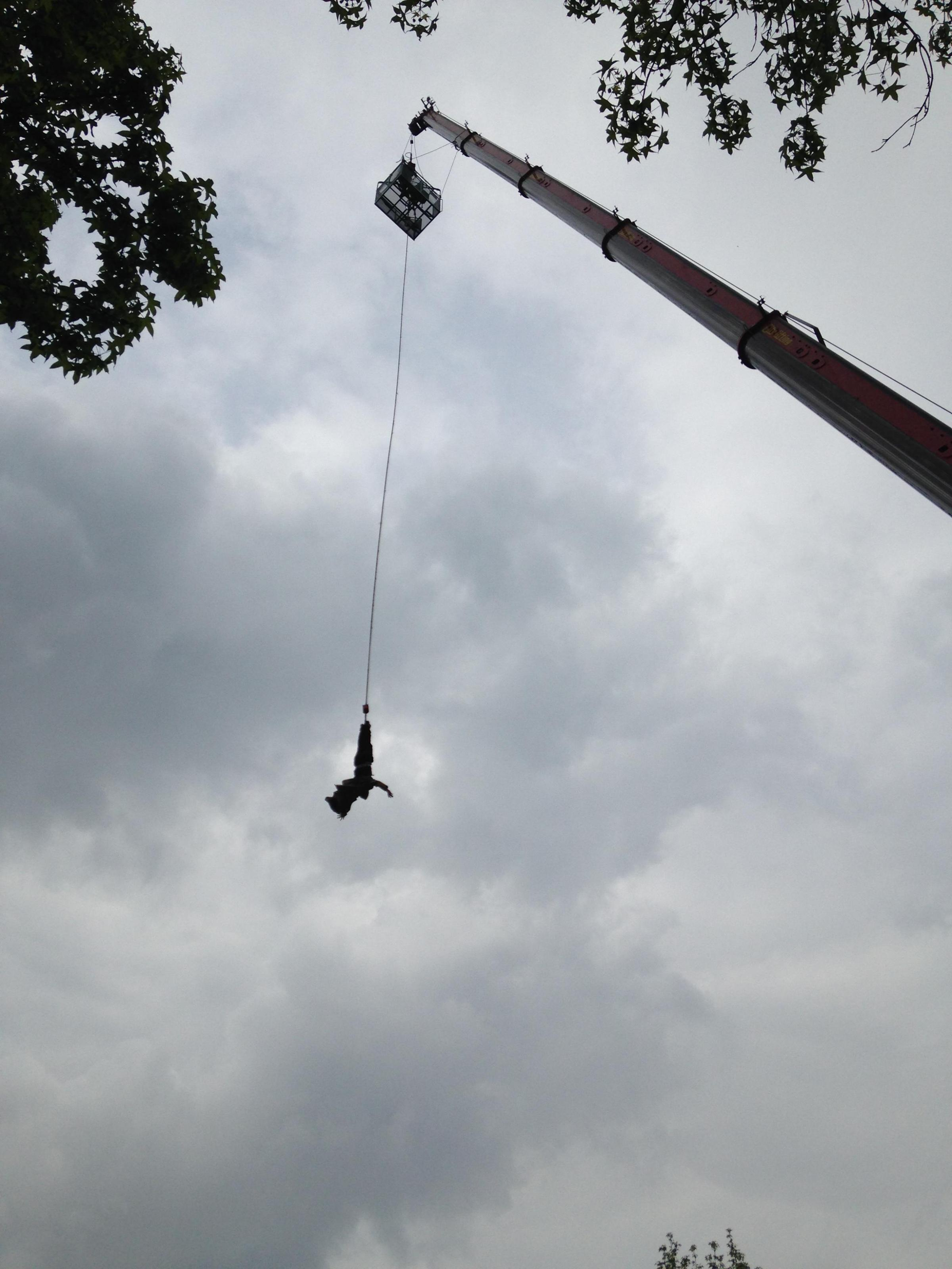 VIDEO: Bungee jumpers dive 175ft for charity event at Gloucester Green, Oxford