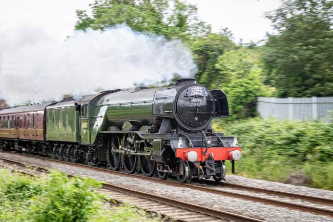 Flying Scotsman returns to Oxfordshire. Picture: Geoffrey Hill/Oxford Mail Camera Club